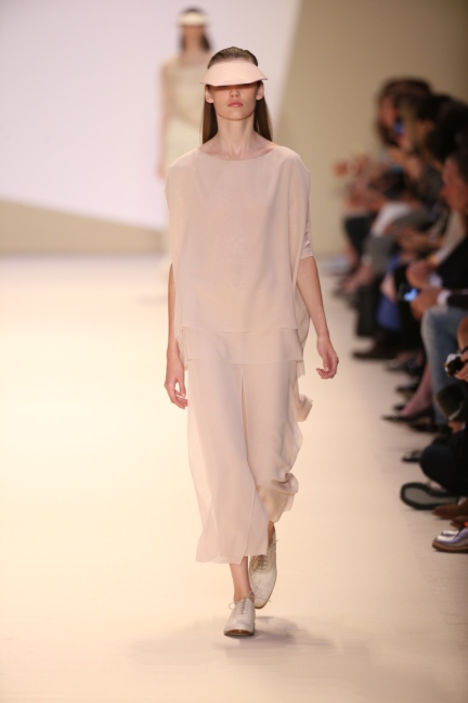 akris-paris-fashion-week-spring-summer-2015-runway-11