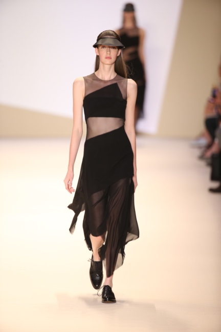 akris-paris-fashion-week-spring-summer-2015-runway-16
