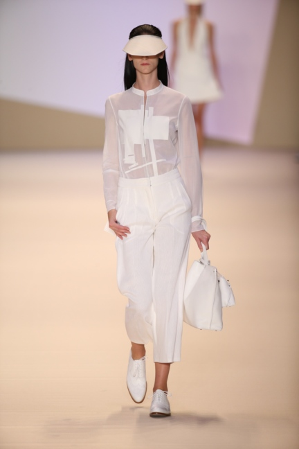 akris-paris-fashion-week-spring-summer-2015-runway-2