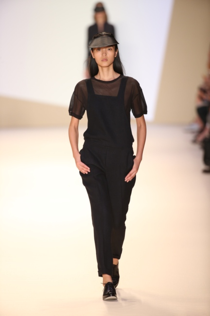 akris-paris-fashion-week-spring-summer-2015-runway-23