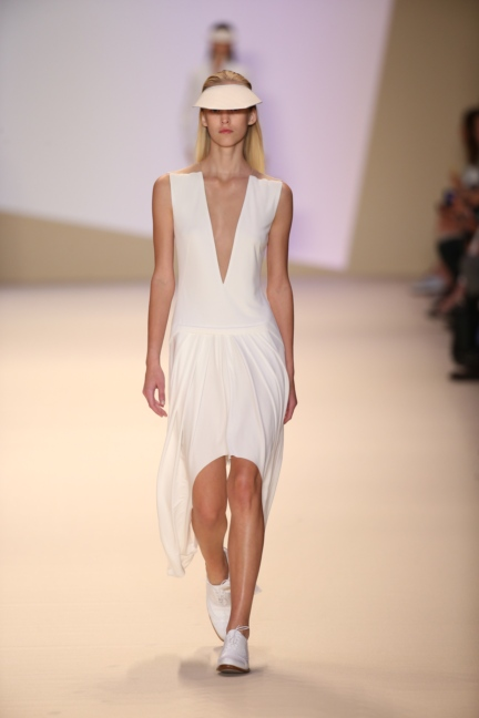akris-paris-fashion-week-spring-summer-2015-runway-26