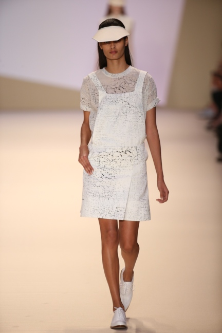 akris-paris-fashion-week-spring-summer-2015-runway-29