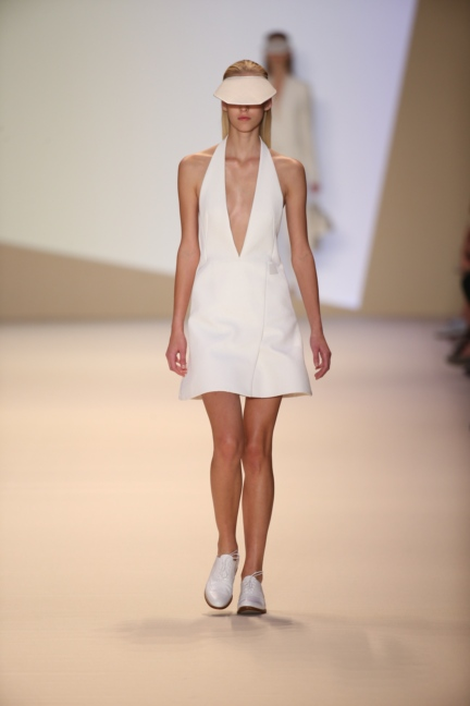 akris-paris-fashion-week-spring-summer-2015-runway-3