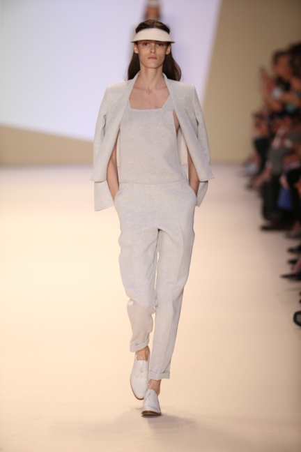akris-paris-fashion-week-spring-summer-2015-runway-32