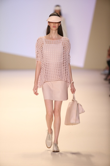 akris-paris-fashion-week-spring-summer-2015-runway-35