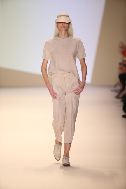 akris-paris-fashion-week-spring-summer-2015-runway-37