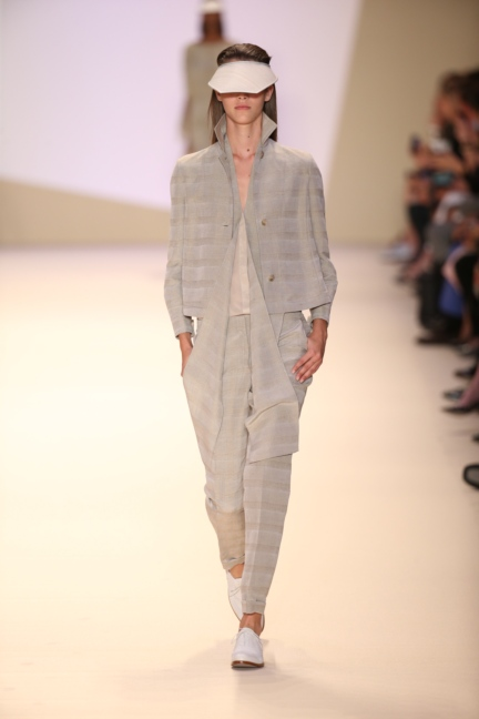 akris-paris-fashion-week-spring-summer-2015-runway-39