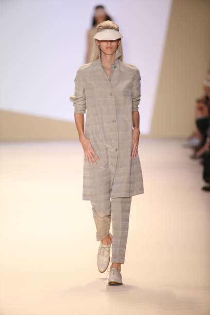 akris-paris-fashion-week-spring-summer-2015-runway-41