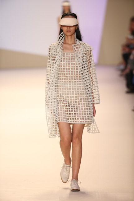 akris-paris-fashion-week-spring-summer-2015-runway-43