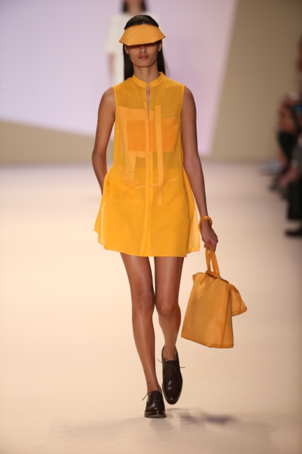 akris-paris-fashion-week-spring-summer-2015-runway-5