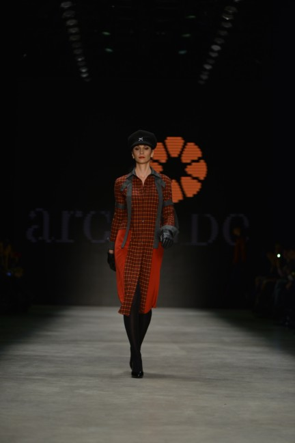 aw-2013_mercedes-benz-fashion-week-istanbul_tr_argande_33437