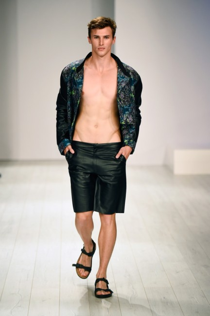 barre-noire-mercedes-benz-fashion-week-berlin-spring-summer-2015-6
