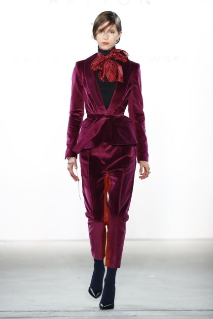 aw-2017_fashion-week-berlin_de_0025_dawid-tomaszewski-x-patrizia-aryton_70743