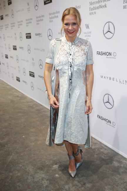 aw-2017_fashion-week-berlin_de_0037_nova-meierhenrich_69852