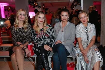 aw-2017_fashion-week-berlin_de_0052_tanja-bulter-regina-halmich-laura-wontorra-nova-meierhenrich_69823