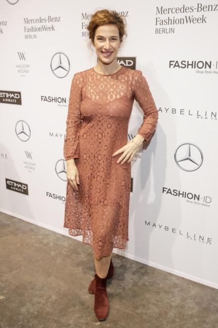 aw-2017_fashion-week-berlin_de_0107_clelia-sarto_70021