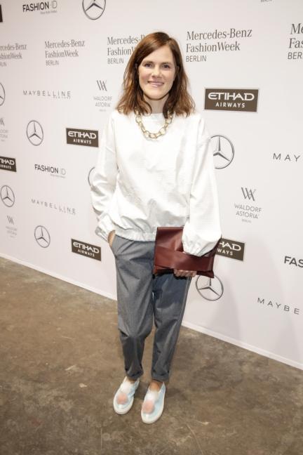 aw-2017_fashion-week-berlin_de_0135_fritzi-haberlandt_70399