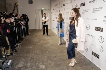 aw-2017_fashion-week-berlin_de_0273_victoria-swarovski-johanna-klum_70185