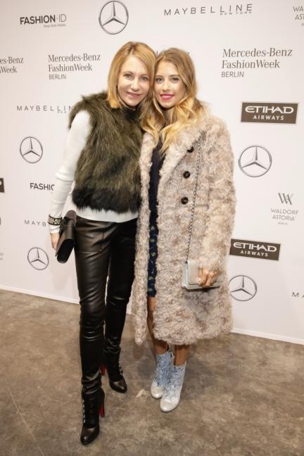 aw-2017_fashion-week-berlin_de_0304_kimberly-emerson-cathy-hummels_69374