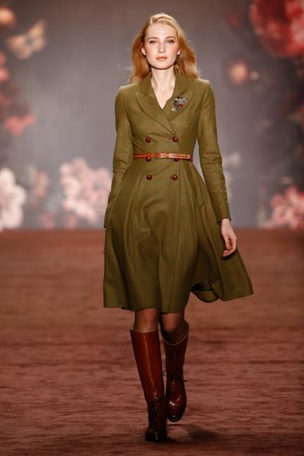 aw-2016_mercedes-benz-fashion-week-berlin_de_0001_lena-hoschek_60706
