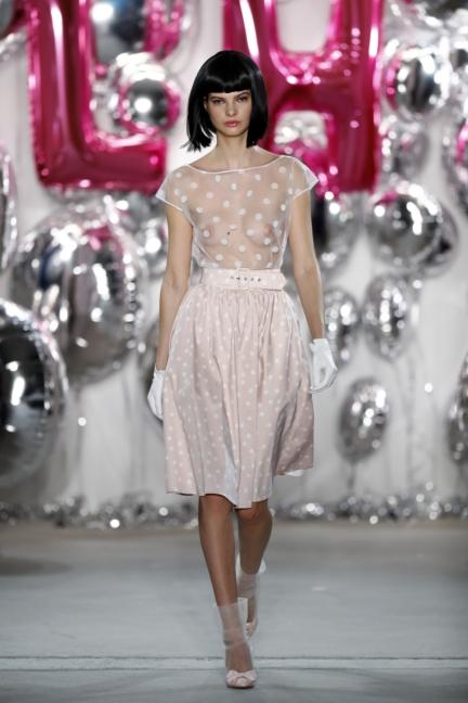 aw-2017_fashion-week-berlin_de_0009_lena-hoschek_69592