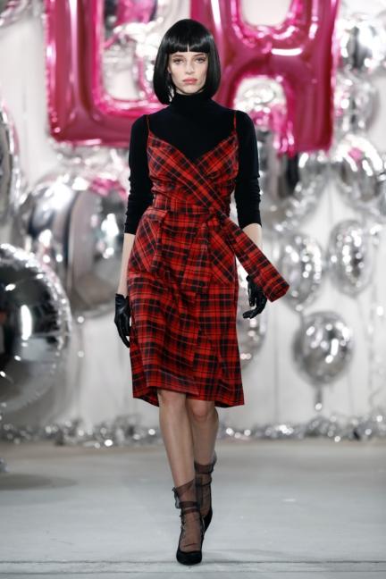 aw-2017_fashion-week-berlin_de_0055_lena-hoschek_69546
