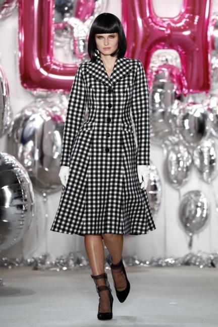 aw-2017_fashion-week-berlin_de_0062_lena-hoschek_69539
