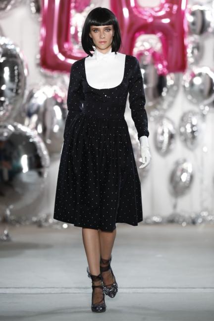 aw-2017_fashion-week-berlin_de_0066_lena-hoschek_69535