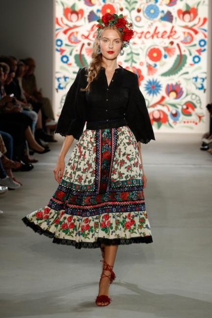 ss-2018_fashion-week-berlin_de_0023_lena-hoschek_71749