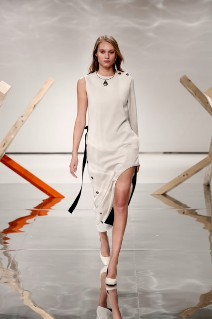 aw-2016_mercedes-benz-fashion-week-berlin_de_0018_louise-friedlaender_61349