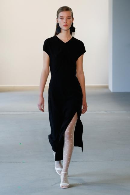 ss-2018_fashion-week-berlin_de_0006_malaikaraiss_71953