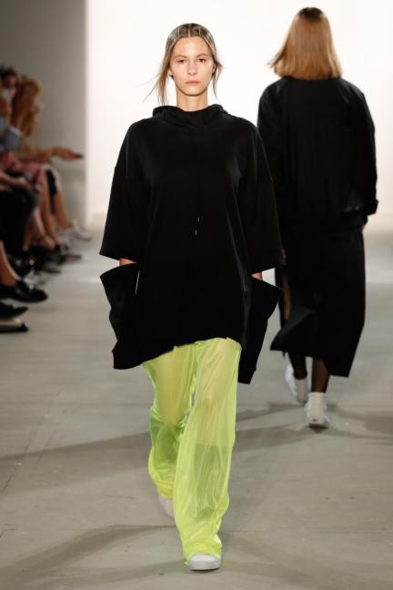 ss-2018_fashion-week-berlin_de_0007_odeur_72835