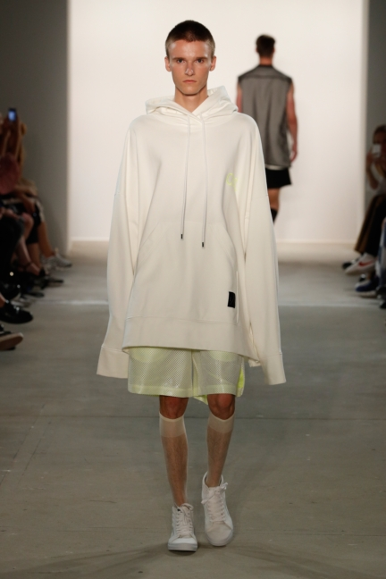 ss-2018_fashion-week-berlin_de_0022_odeur_72820