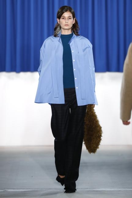 aw-2017_fashion-week-berlin_de_0009_perret-schaad_70350