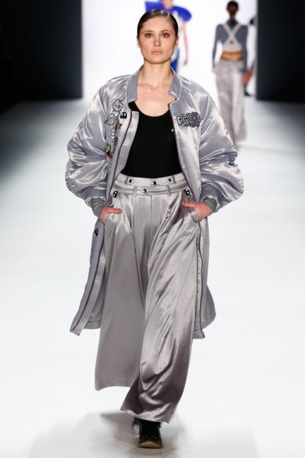 aw-2016_mercedes-benz-fashion-week-berlin_de_0005_shih-chien-university_62824