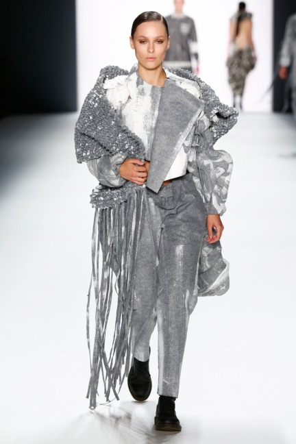 aw-2016_mercedes-benz-fashion-week-berlin_de_0013_shih-chien-university_62816
