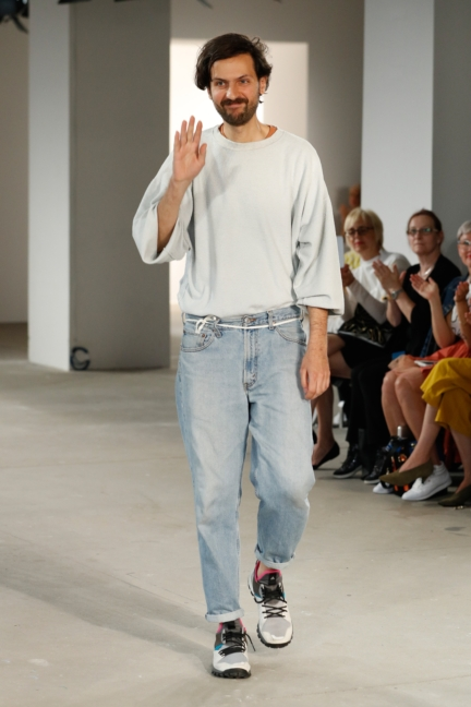 ss-2018_fashion-week-berlin_de_0028_vladimir-karaleev_72718