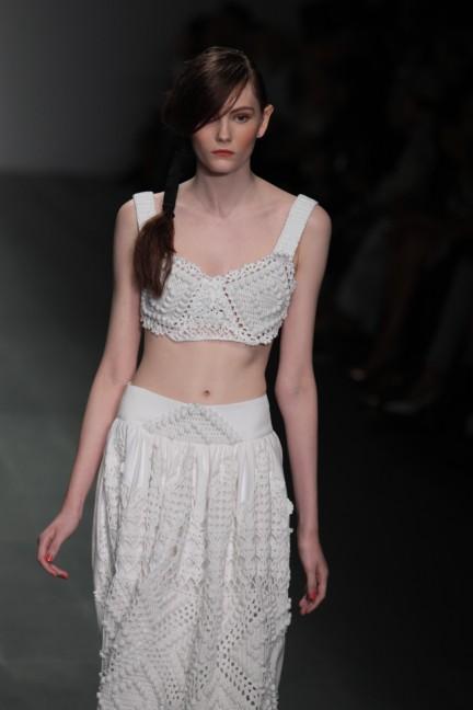 bora-aksu-london-fashion-week-spring-summer-2015-11