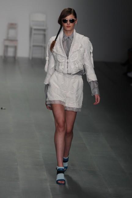 bora-aksu-london-fashion-week-spring-summer-2015-12