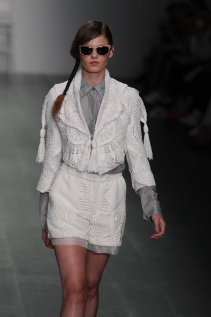bora-aksu-london-fashion-week-spring-summer-2015-13