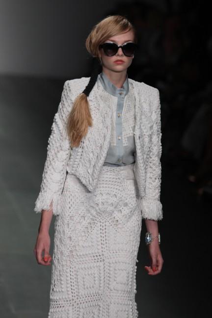 bora-aksu-london-fashion-week-spring-summer-2015-17
