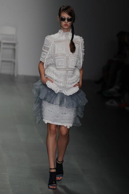 bora-aksu-london-fashion-week-spring-summer-2015-18