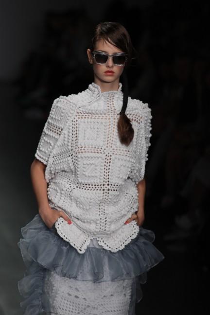 bora-aksu-london-fashion-week-spring-summer-2015-19