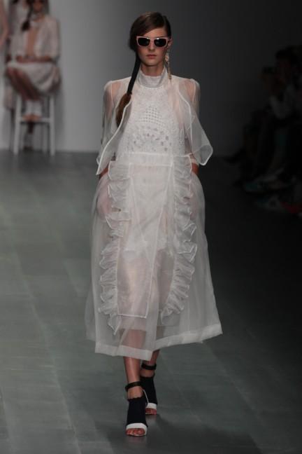 bora-aksu-london-fashion-week-spring-summer-2015-2