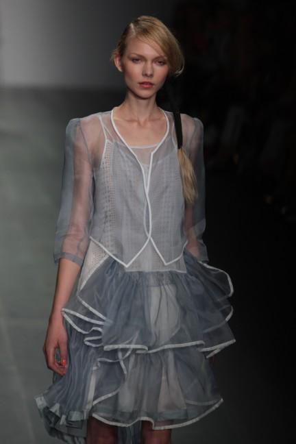 bora-aksu-london-fashion-week-spring-summer-2015-23