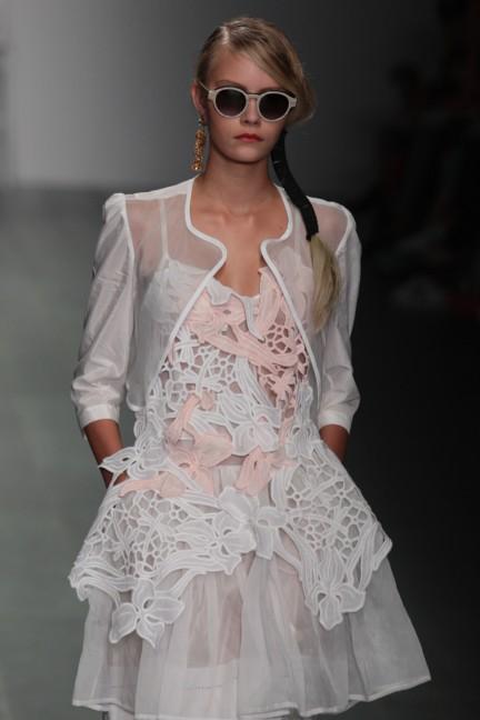 bora-aksu-london-fashion-week-spring-summer-2015-27