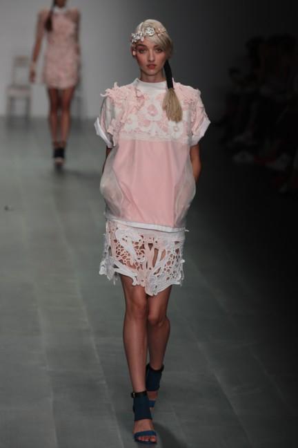 bora-aksu-london-fashion-week-spring-summer-2015-28