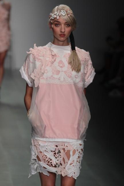 bora-aksu-london-fashion-week-spring-summer-2015-29