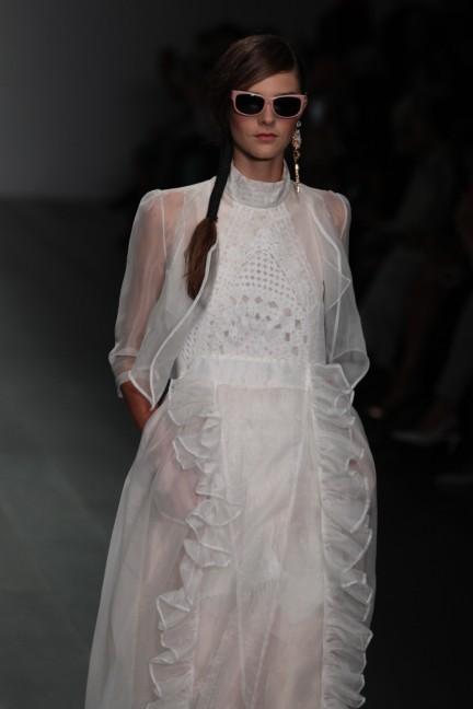 bora-aksu-london-fashion-week-spring-summer-2015-3