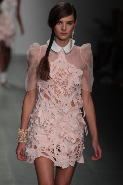bora-aksu-london-fashion-week-spring-summer-2015-31